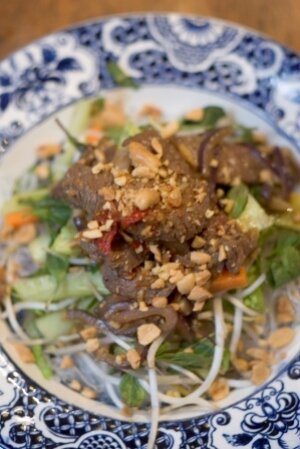 Guest Post:Vietnamese Lemongrass Beef Salad