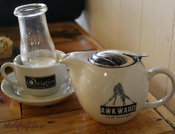 Awkward cafe love chai