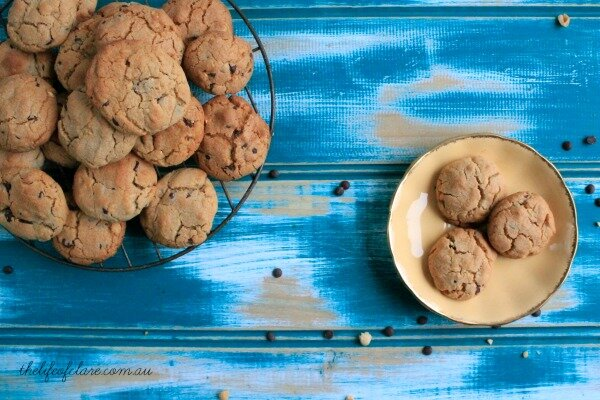 cookies peanut and choc chip
