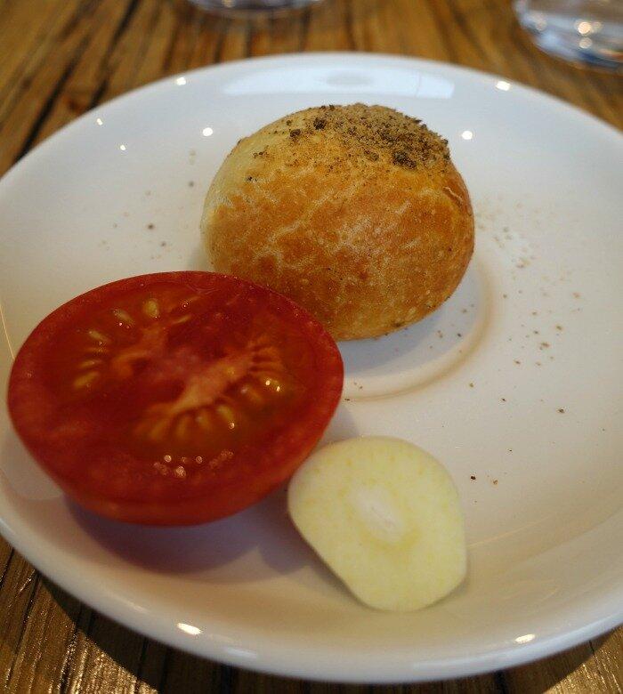 brea tomato garlic