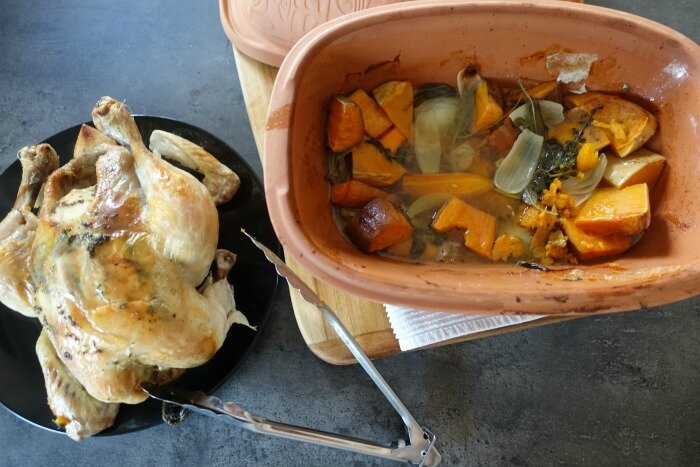 roast chicken and veggies romertopf