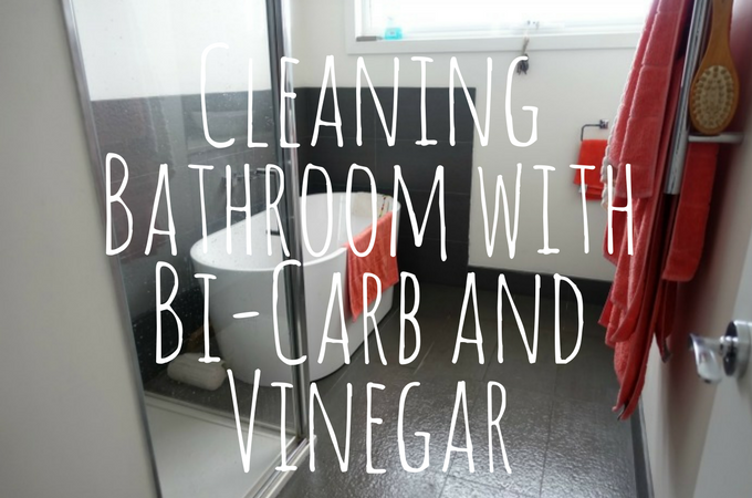 How I Clean Our Bathroom – using baking soda and vinegar
